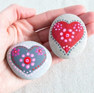 Heart-Painting-Rocks-768x2241